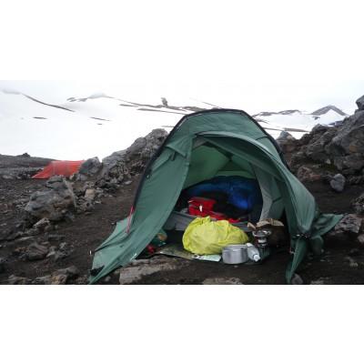 Foto 1 van Joana bij Mountain Equipment - Women's Glacier SL 800