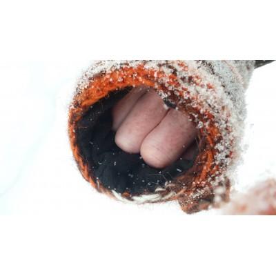 Foto 12 van Karen bij Sherpa - Women's Rimjhim Handwarmers 2 - Handschoenen