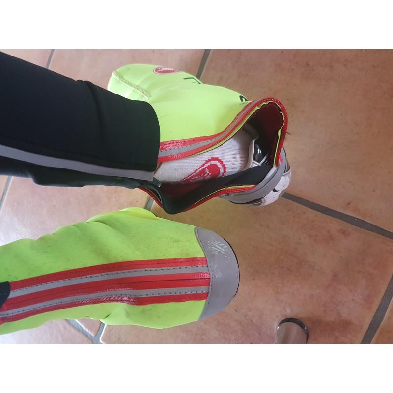 Foto 2 van Noemi bij Castelli - Diluvio C Shoecover 16 - Overschoenen