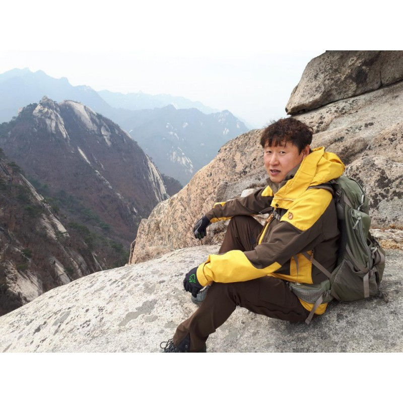 Foto 2 van Young Chul bij Klättermusen - Gere 2.0 Pants - Trekkingbroeken