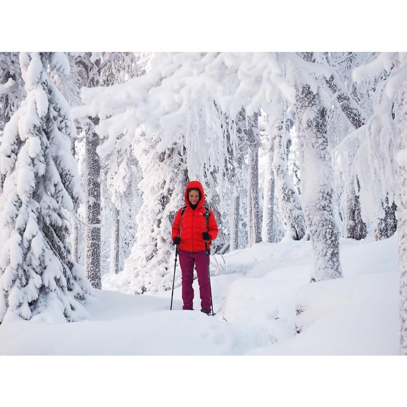 Foto 3 van Kathrin bij Mountain Equipment - Women's Sigma Jacket - Donzen jack