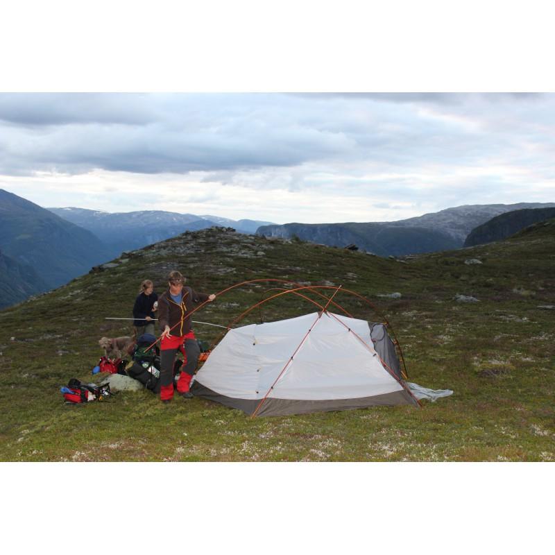 Foto 1 van Ute bij MSR - Stormking - Expeditietent