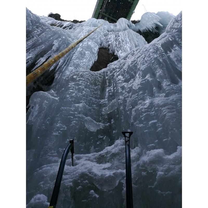 Foto 1 van Julian bij Salewa - North-X Ice Axe - IJsklimgereedschap