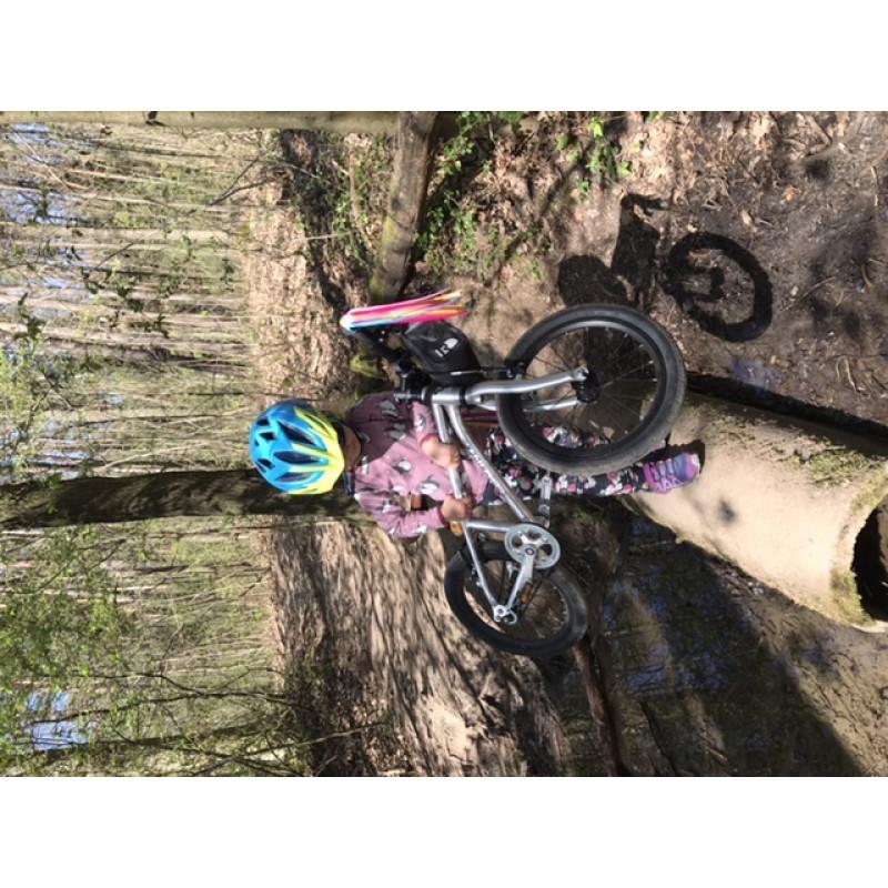 Foto 1 van Oliver bij Salomon - Kid's Speedcross Bungee - Trailrunningschoenen