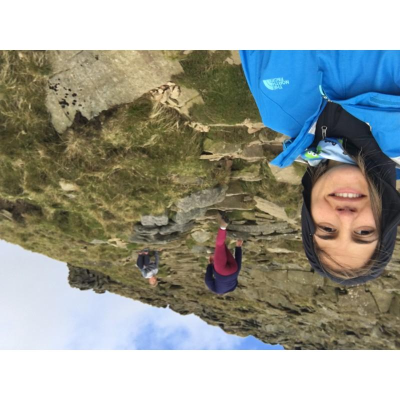 Foto 1 van ANA bij Sherpa - Women's Tchimi Hoodie - Fleecetrui